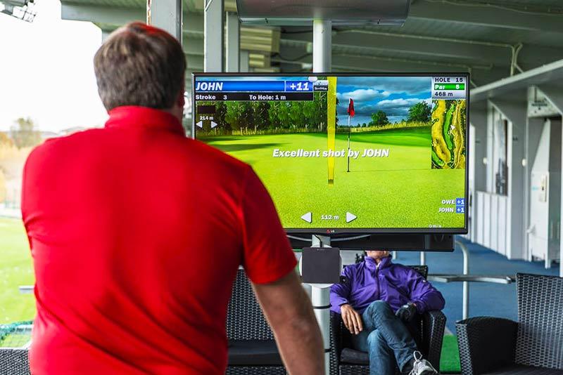TOPTRACER indoor golf range
